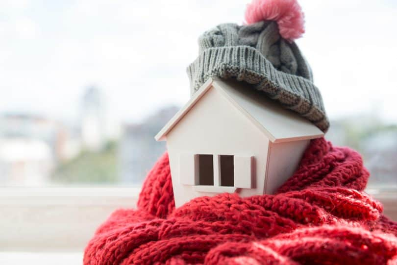 winter heating bills 810x541 - 7 Cheap Ways to Heat Up Your Home