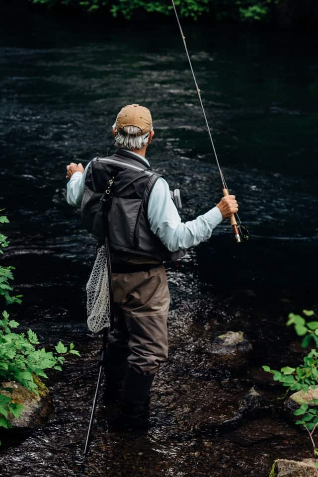 How To Keep Warm When Fishing